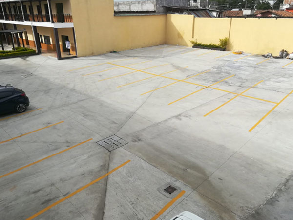 Casa Santiago Miller - Amplio Parqueo
